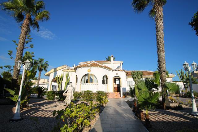 Вилла в La Siesta, Torrevieja